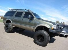 2001 Ford Excursion Limited 4x4. Ford ExcursionFord ExpeditionMuddy TrucksRoof  RackLifted ...