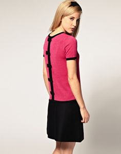 add bows to the back of a shirt