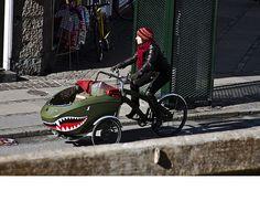 trio cargo bike shark attack
