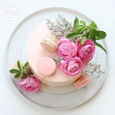 Pretty flower - macaron cake Macaron Cake, Macarons, Small Flowers, Pretty Flowers, Meringue Suisse, Towel Cakes, Cupcakes, Unique Cakes, How To Make Notes