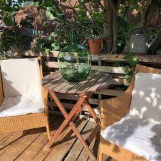 Dame Jeanne verte ancienne   20 Litres   Déco vintage Outdoor Furniture Sets, Outdoor Decor, Home And Deco, Decoration, Ideas Para, Table, Home Decor, Vintage Decor, Green