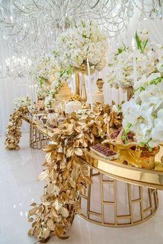 Wonderful floral wedding decor in 2018 21 Wedding Reception Design, Art Deco Wedding, Wedding Designs, Wedding Table, Wedding Events, Wedding Ceremony, Weddings, Floral Wedding Decorations, Reception Decorations