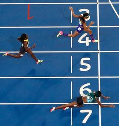 Rio Olympics: Shaunae Miller Dives to Gold in 400 Meters | Shaunae Miller Dives to Gold