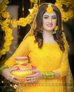 mahendi dresses Woman Knitwear and Sweaters nasty woman dog sweater Pakistani Mehndi Dress, Bridal Mehndi Dresses, Pakistani Bridal Makeup, Pakistani Wedding Outfits, Pakistani Wedding Dresses, Pakistani Dress Design, Bridal Outfits, Indian Bridal, Bridal Pictures