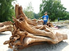 The idea of the natural playscape—creative combinations of rocks and stumps, sand and water—is a huge trend in playground design at the moment. Modern Playground, Playground Design, Playground Ideas, Wood Playground, Garden City Park, Park City, Richmond Canada, Outdoor Play Spaces, Sensory Garden
