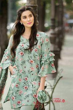 20 Creative and Latest Sleeve Designs For Kurtis - Tikli Kurti Sleeves Design, Kurta Neck Design, Sleeves Designs For Dresses, Dress Neck Designs, Sleeve Designs, Dresses With Sleeves, Simple Pakistani Dresses, Pakistani Fashion Casual, Pakistani Dress Design