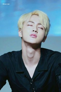 Seokjin pls stooop killing me❤ soo beaultiful!!!