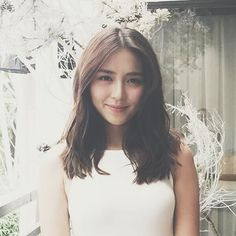 Love is like the sun,Love is in the air,Love is every where. Kathryn Bernardo Photoshoot, Kathryn Bernardo Hairstyle, Debut Hairstyles, Hairstyles Haircuts, Filipina Actress, Filipina Beauty, Hair Color Asian, Asian Hair, Instagram Hairstyles