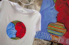 Maglietta e poster della 56esima edizione del Festival dei 2Mondi