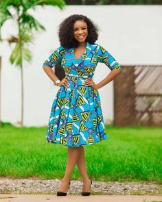Vibrant colours that makeup Ankara print designs make it easy for good match. Super Fabulous African Print Dress Styles in the entries are mind-blowing Short Ankara Dresses, Ankara Long Gown Styles, Trendy Ankara Styles, African Dresses For Women, African Print Dresses, African Print Fashion, African Attire, African Dress Designs, Africa Fashion