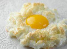 Avete mai cucinato le uova-nuvola?