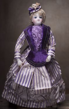 "13 1/2"" (34 cm) Very Beautiful Antique French Fashion Bisque Jumeau doll, c.1870"