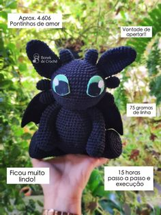 Dragon En Crochet, Knit Crochet, Crochet Hats, Pony, Minnie Mouse, Crochet Patterns, Lettering, Dolls, Projects To Try