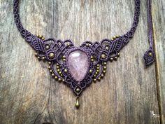 Collar de macrame declaración barroco cuarzo rosa boho chic joyas por creaciones Mariposa QR1