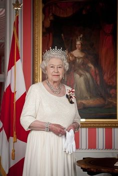 royalobssession017:  Favorite Portraits of Queen Elizabeth II (With or Without Prince Phillip) 39/45