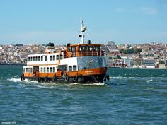 Boat to Cacilhas | 6 must things under 4,00€ everyone should do in Lisbon