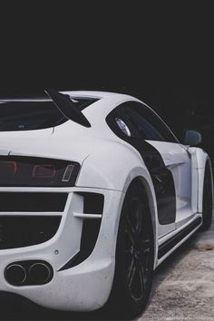 "envyavenue: ""Audi R8 / Solace """