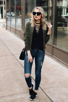 Weekend casual outfit with sneakers | Love, Lenore