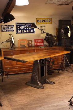 table industrielle vieux pied fonte plus d'info sur: http://ift.tt/1j72nM2 #design #industriel