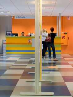 Multifloor ND-UNI Uni CWI Breda 008 Open Office, Rubber Flooring, Table Games, Uni, Basketball Court, Design, Board Games, Tabletop Games