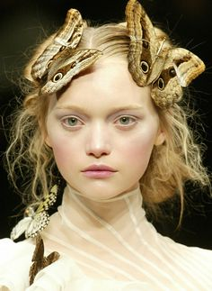 Gemma Ward at Alexander McQueen Fall/ Winter 2006