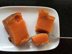 El sencillo boniato o batata puede dar mucho juego en tu alimentación, como ingrediente en comidas o simplemente como te lo presentamos hoy aquí, asado, una verdadera golosina sana y deliciosa.
