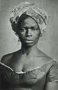 Afro-Brasilian, or African-Brasilian, woman photographed during slavery. Slavery in Brasil did not end until 1888 - almost the century! American Women, American Photo, Vintage Black Glamour, Black History Facts, African Diaspora, My Black Is Beautiful, Before Us, African American History, Female Portrait