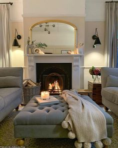 Cosy Living Room Small, Small Sitting Rooms, Sitting Room Decor, Elegant Living Room, Lounge Decor, Home Living Room, Living Room Designs, Cosy Living Room Decor, Living Room Lounge