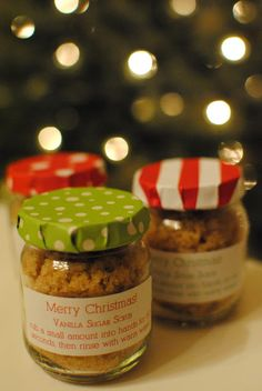Easy to make Sugar Scrubs - great stocking stuffers or teacher gifts. #gift #christmas #stocking #jars