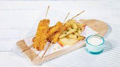 Saftig og sprøtt kyllingbryst, servert på en sunn salat er en deilig hverdagsrett som smaker godt uansett hvilken dag det er.