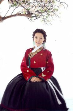 hanbok Folk Costume, Costumes, Modern Hanbok, Korean Design, Korean Dress, Traditional Dresses, World Of Fashion, Asian Woman, Korean Fashion
