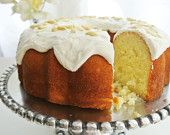 """Extra Moist Almond Cake with Icing  """"Bizcocho Mojadito de Puerto Rico""""Puerto Rican Style cake Pick up or Delivery to the Chicago Area"""