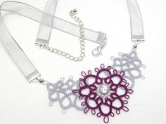 Tatted Lace Floral Necklace in your color choice por SnappyTatter