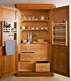 Dreaming of a country kitchen? Here's how to achieve the look.