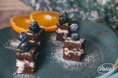Шоколадный кекс - пошаговый рецепт приготовления с фото Desserts, Recipes, Food, Tailgate Desserts, Deserts, Meals, Dessert, Yemek, Eten
