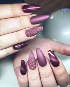 Nails play an eye-catching role in women's images. Beautiful nail designs make people happy and increase their personal charm. Fine manicured nails make people delicate and beautiful. If you want to make your nails beautiful and memorable, you can t Acrylic Nail Art, Acrylic Nail Designs, Nail Art Designs, Nails Design, Salon Design, Pointed Nail Designs, Colored Acrylic Nails, Blog Designs, Acrylic Colors