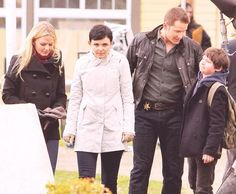 Snow: maybe if I stare long enough they'll go away...  Henry: look I can make a funny face too! Charming: haha Emma look at him! Emma: hold that face I gotta tweet it!