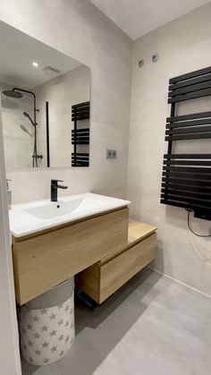 Contemporary bathrooms 402720391681534923 - Source by Modern Bathroom, Small Bathroom, Master Bathroom, Contemporary Bathrooms, Dream Bathrooms, Small Hall, Bad Inspiration, Shower Screen, Shower Remodel
