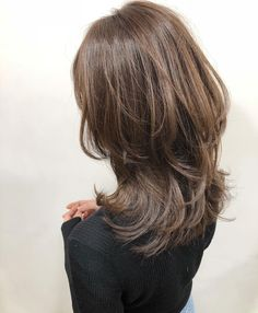 Pin on ヘアスタイル Long Wavy Hair, Long Layered Hair, Long Hair Cuts, Medium Hair Styles, Short Hair Styles, Asian Haircut, Hair Color 2018, Hair Arrange, Dope Hairstyles