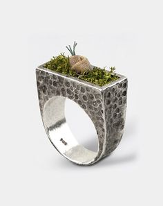 LITTLE GARDEN  - Handmade sterling silver ring with dehydrated moss and cotton fabric flower