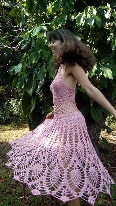 Fabulous Crochet a Little Black Crochet Dress Ideas. Georgeous Crochet a Little Black Crochet Dress Ideas. Skirt Pattern Free, Crochet Skirt Pattern, Crochet Cardigan, Crochet Barbie Patterns, Dress Patterns, Crochet Summer Dresses, Jupe Short, Skirt Images, Crochet Cover Up