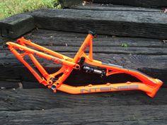 2015 Intense Spider 275. Just procured via Pink Bike. Ooooooo, fancy. Going to be a fun build!!