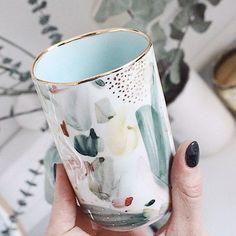 143 отметок «Нравится», 6 комментариев — Rozenthal.Ceramics.Studio (@rozenthal.ceramics.studio) в Instagram: «Jaunās, ar roku apgleznotās porcelāna krūzītes. Ierobežotā skaitā tikai @rozenthal.ceramics.studio…»