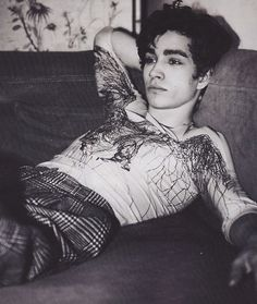 Robert Sheehan from Misfits <3