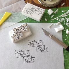 直線を彫るのが一番緊張する。かも。 #消しゴムはんこ#eraserstamp#ハンドメイド#スタンプ#レタリング#手書き#手彫り#handmade#stamp#lettering