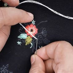 hand embroidery stitches tutorial step by step Crewel Embroidery Kits, Hand Embroidery Videos, Embroidery Stitches Tutorial, Embroidery Flowers Pattern, Learn Embroidery, Hand Embroidery Designs, Ribbon Embroidery, Hand Embroidery Dress, Embroidery On Clothes