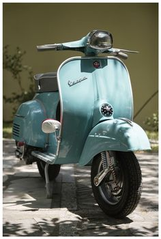 My dream was to always own a Vespa, one day when I live in Europe I wil… … . My dream was to always own a Vespa, one day when I live in Europe I will get one! Scooter Garage, Scooter Bike, Piaggio Vespa, Lambretta Scooter, Vespa Super 150, Vespa 150 Sprint, Vespa Primavera, Vespa Motor Scooters, Lml Star