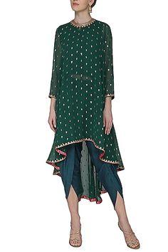 Vvani by Vani Vats Emerald green asymmetrical embroidered kurta with dhoti pants available only at Pernia's Pop Up Shop. Pakistani Dresses, Indian Dresses, Indian Outfits, Hippy Chic, Indian Designer Suits, Kurta Designs, Boho, Dress Collection, Dress Patterns