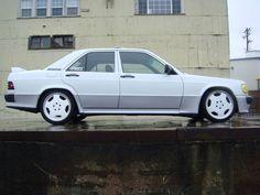 1989-Mercedes-190E-3.0.jpg (800×600)