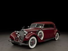 1938 Mercedes-Benz Typ 320/320 Cabriolet D > Der 320 ersetzte ab '37 den 290. Es wurde das Fahrgestell des 290 verwendet, auf das längere & breitere Karosserien aufgesetzt wurden. Die Motorleistung wurde durch Hubraumerweiterung auf 78 PS angehoben. Er war als Reisewagen konzipiert mit dem man auch große Distanzen bewältigen konnte & hatte ab Herbst '38 ein Schnellganggetriebe was bei hohen Geschwindigkeiten die Drehzahl senkte. Er hat eine gute Straßenlage & eine kraftsparende Handhabung.
